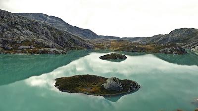turkusowe jeziora lodowiec Folgefonna