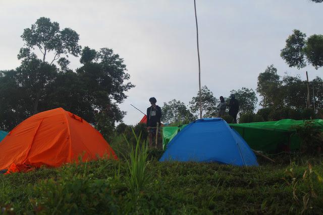 Tempat Mendirikan Tenda di Bukit Sepancong