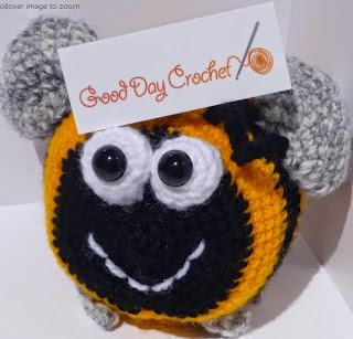 http://www.craftsy.com/pattern/crocheting/toy/crochet-bumblebee-/56377