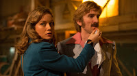 Sharlto Copley and Brie Larson in Free Fire (9)