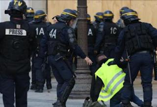 إعتقال كثيرون في مسيرات احتجاج في باريس
