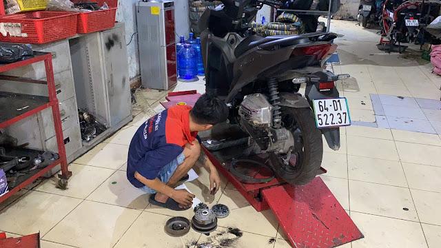 Bảo dưỡng, vệ sinh nồi xe Honda Vario tại Tp.HCM