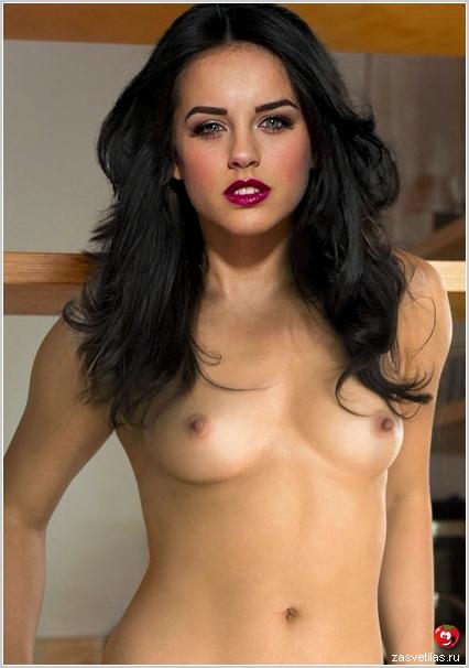 Джорджия Мей Фут голая грудь