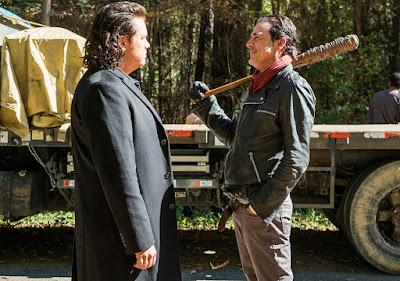 Eugene Porter (Josh McDermitt) e Negan (Jeffrey Dean Morgan) nell'episodio 16
