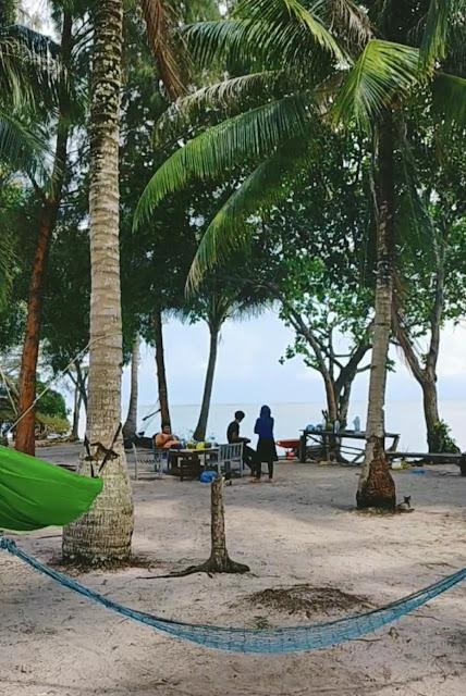 Suasana Pulau Tunjuk