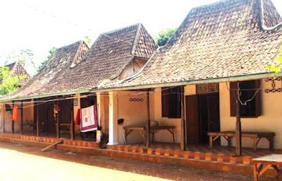gambar rumah adat madura