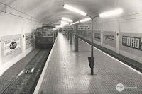 Estación de Horta y una baliza entre las vías