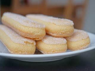 Tự làm bánh sampa tại nhà Lady Fingers Cake 3