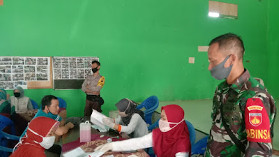 Babinsa Koramil 05 Candiroto Pengamanan Dan Pendampingan Penyerahan BST Tahap III Tahun 2020