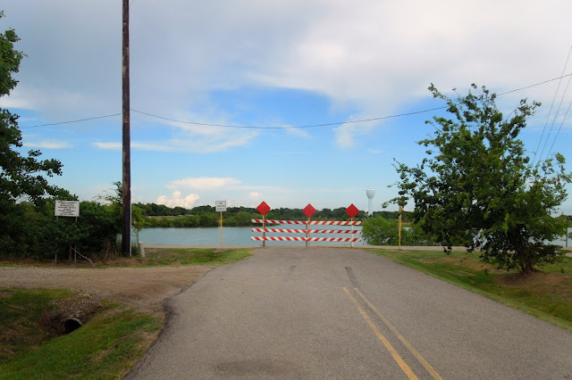 The end of Schiller Road at the edge of the Lake