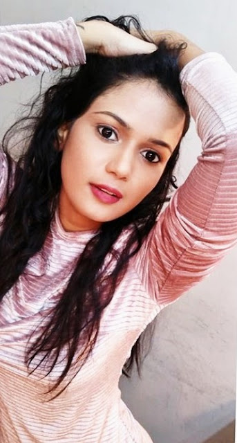 Bigg Boss Telugu 4 Contestant Ariyana Glory Latest Photos