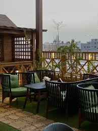 أسعار منيو ورقم وعنوان فروع مطعم لاڤيا لاونج La Via Lounge