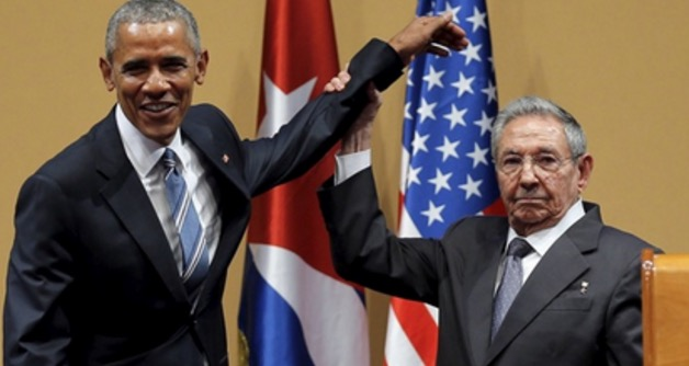 Video Obama Dimalukan Presiden Cuba