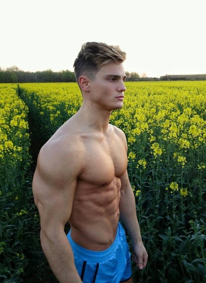 sexy-shirtless-muscle-buff-smooth-masculine-jocks-abs