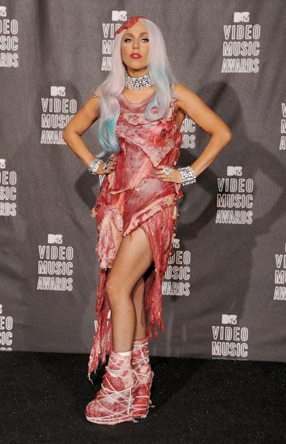 5 looks icônicos de Lady Gaga