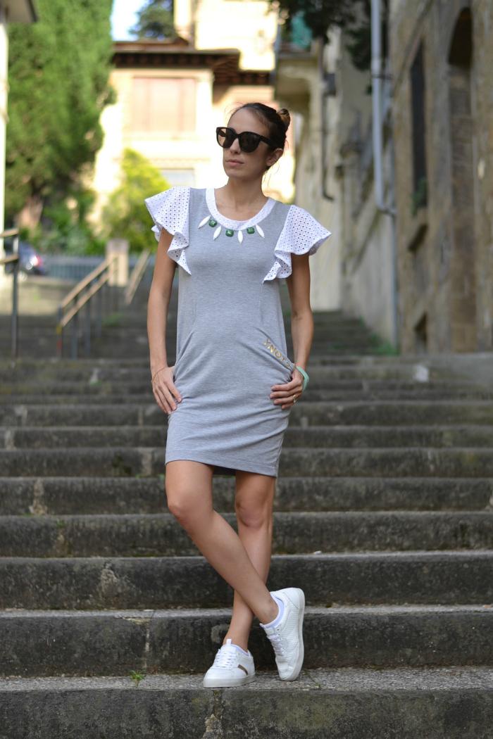 abito grigio cotone