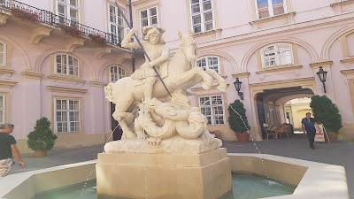 statua fontana