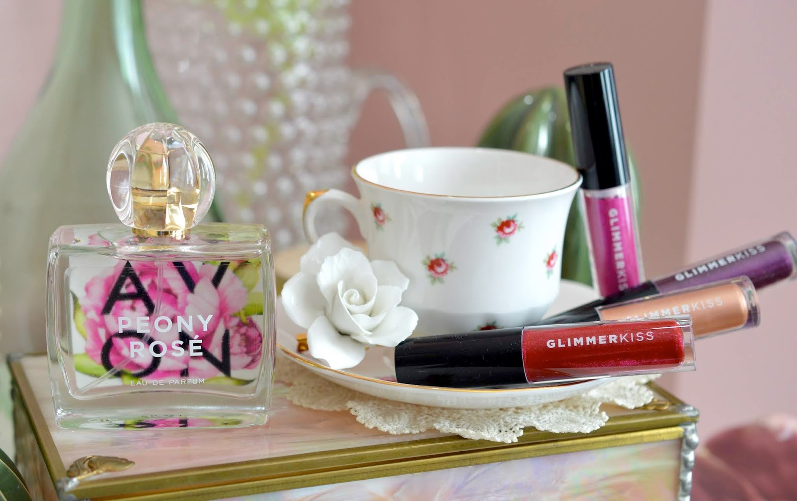 AVON Glimmerkiss Liquid Lipstick Peony Rosé