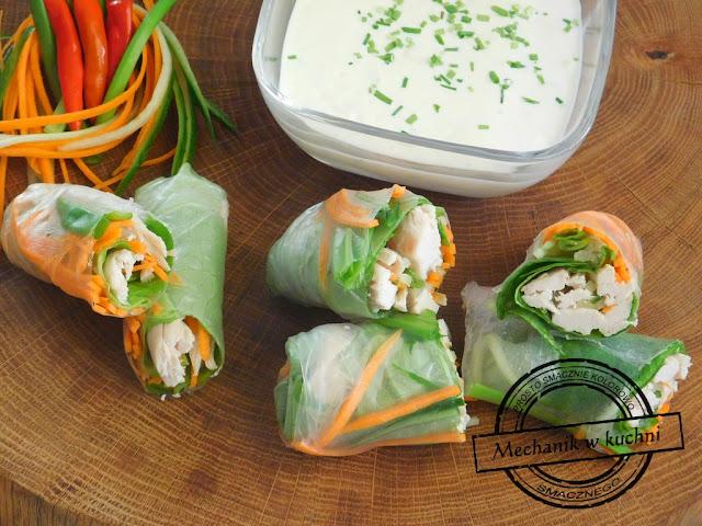 Spring rolls, sajgonki, krokiety warzywne przepis recipe z kurczakiem spring rolls zespół ugotowani warzywne przepis ciasto papier ryżowy makaron kuchnia tajska chińska azjatycka przepisy kuchni bliskiego dalekiego wschodu