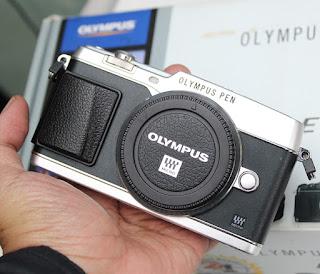 Jual Olympus E-P5 + Kit 14-42mm  Bekas