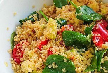 Σαλάτα με κινόα και αβοκάντο