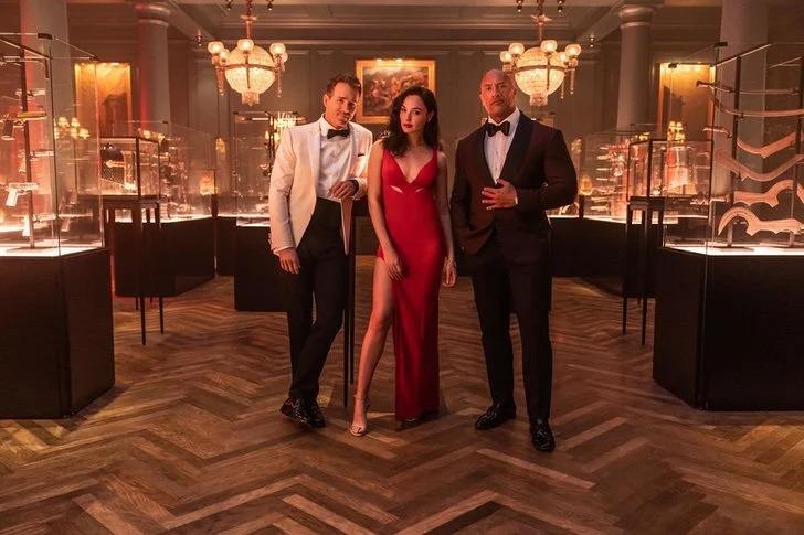 Red Notice la película más cara de Netflix confirma estreno