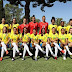 Com pernas cruzadas, seleção feminina posa para foto oficial do Mundial