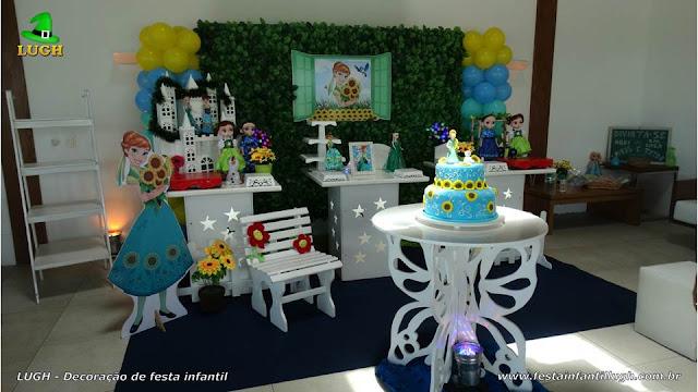 Decoração de festa infantil Frozen Aniversário da Anna - Provençal com muro inglês e elipse