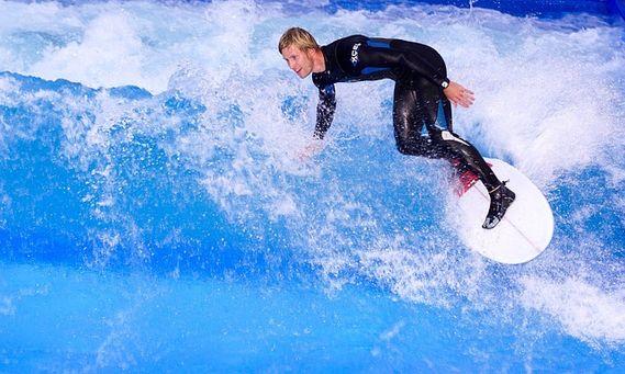 Belajar surfing tanpa harus punya kemampuan berenang?