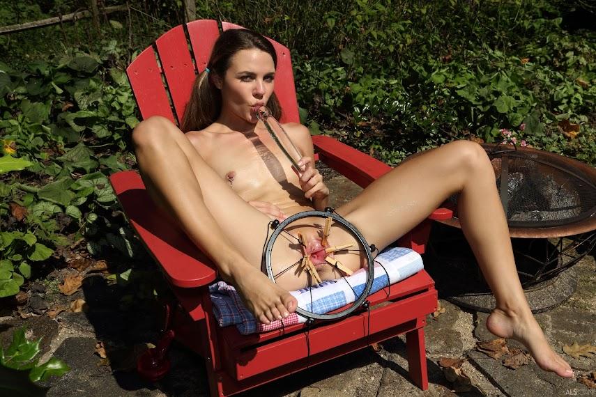 [Debriz] Ally Tate, Freya Von Doom - Hot Body 1490965914__als-hot-body-cover