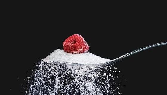 انسي السكر 7 طرق مثبتة علميًا للتخلص من دهون البطن