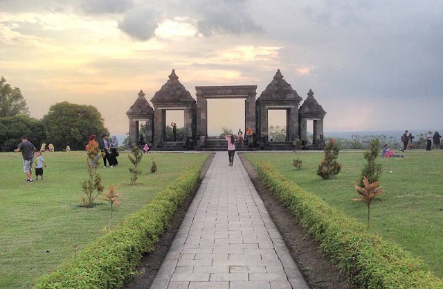 Tempat Wisata Terkenal Dan Oleh Oleh Khas Yogyakarta Terkini