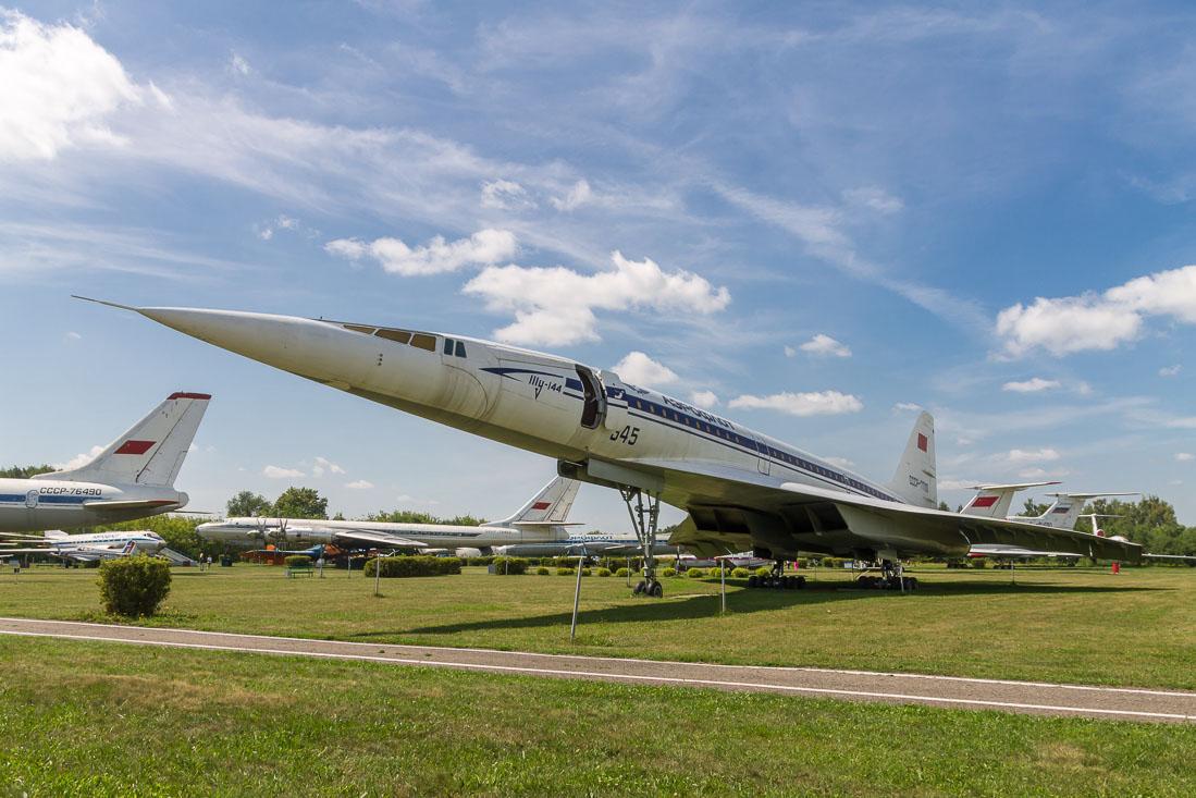 Самолёт Ту-144