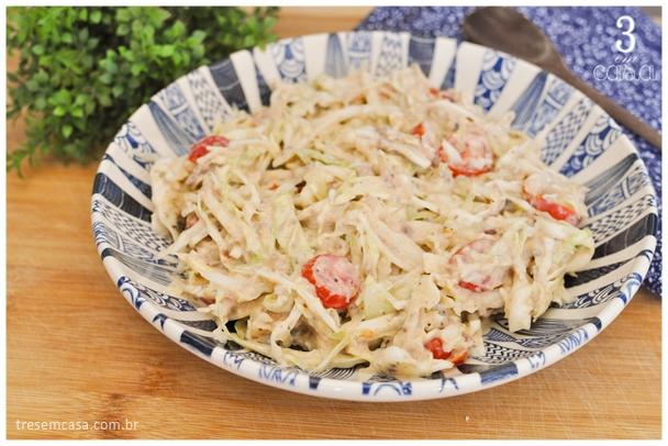 salada de repolho com sardinha e maionese