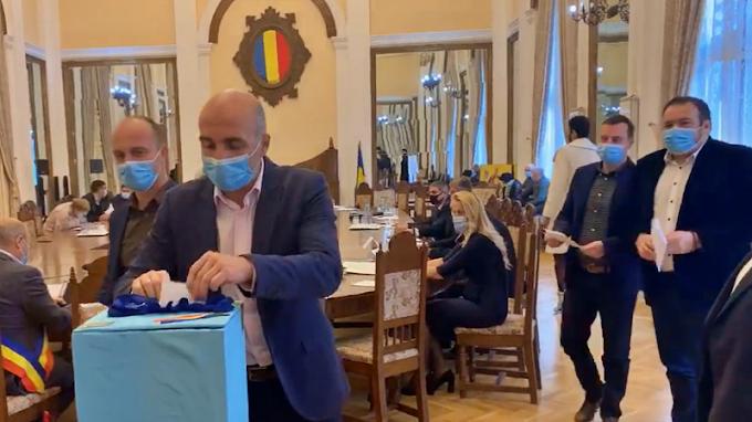 """Comunicat al Grupului Consilierilor Locali PSD Vatra Dornei: """"Dezamăgiri încă din prima ședință!"""""""