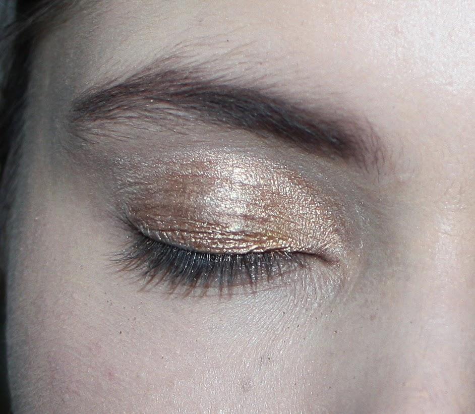 moje oči a stín z MUA paletky