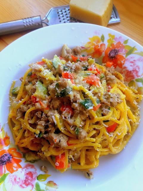 Makaron z mięsem mielonym w sosie śmietanowym / Creamy Ground Meat Pasta