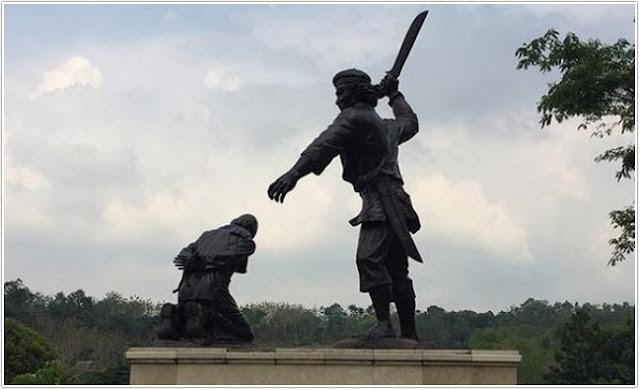 Monumen Kresek;10 Top Destinasi Wisata Madiun