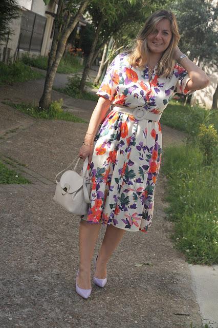 robe sézane à fleurs, escarpins cosmoparis lilas, mode, look du jour, les petites bulles de ma vie