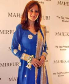 Rakshanda khan baby, husband, hot, wedding, marriage, daughter, wiki, biography, age