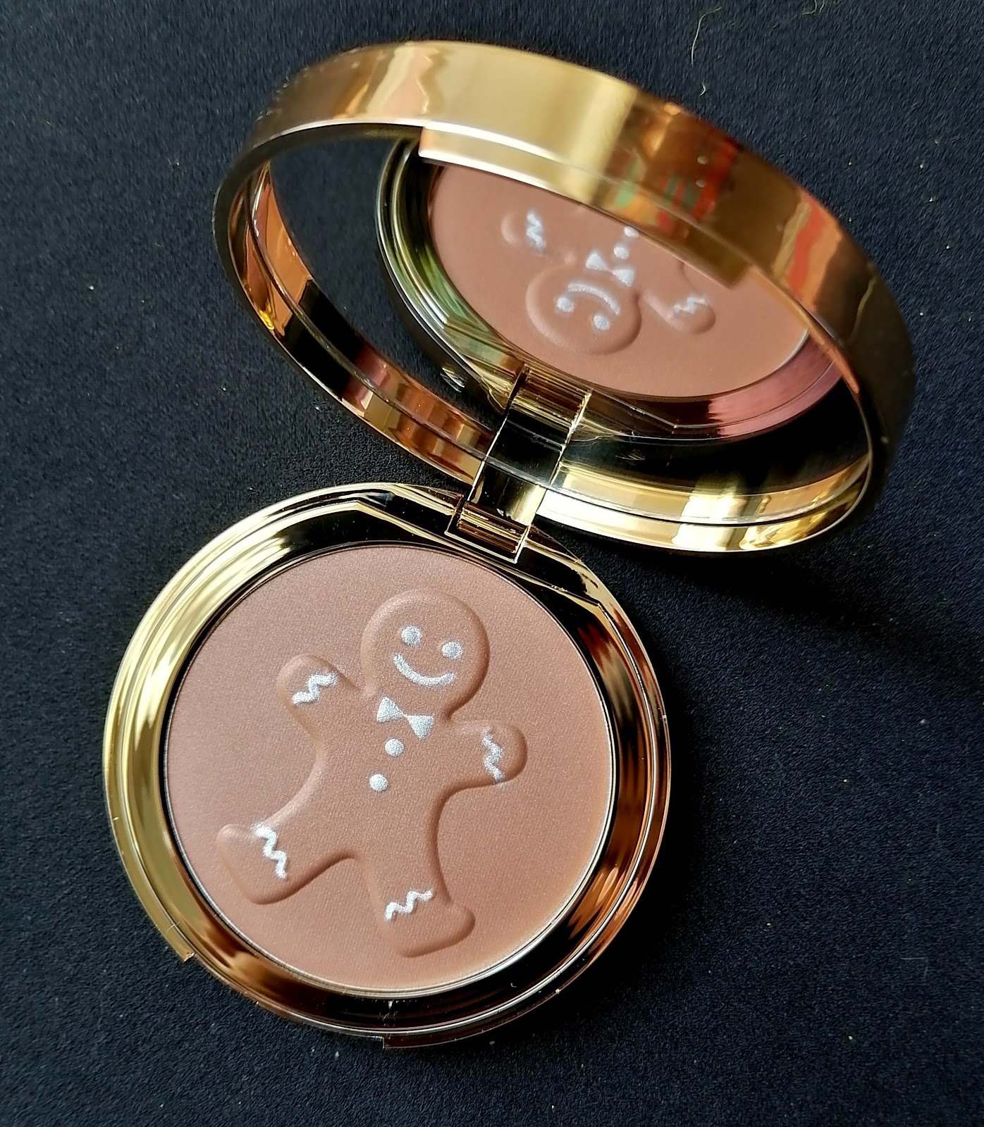 Gingerbread bronzed and kissed de TOO FACED
