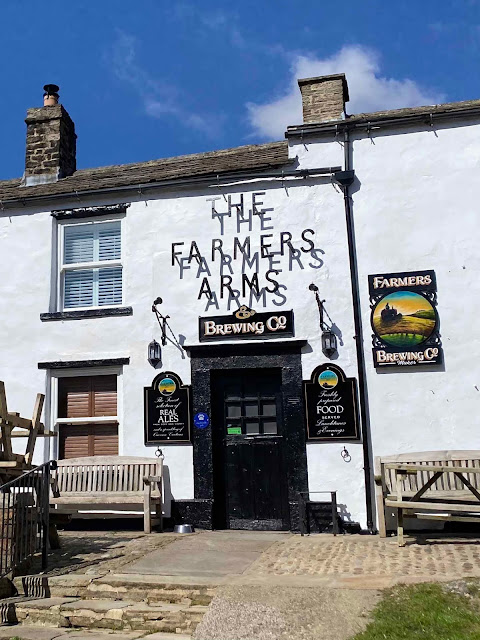 Muker pub Farmers Arms Muker village yorkshire dales holiday cottages