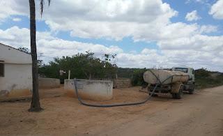 Prefeitura de Picuí continua colocando água com recursos próprios. Em novembro foram 520 pontos abastecidos