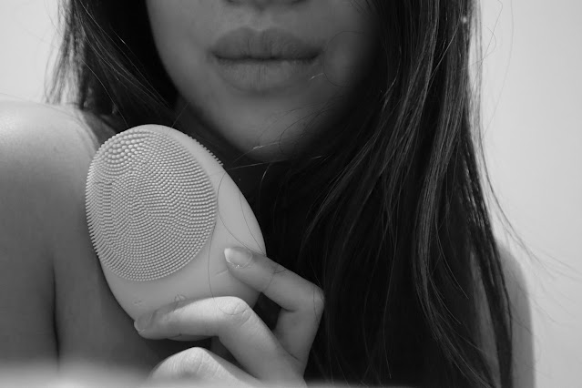 3 reasons to use a cleansing brush for a radiant skin