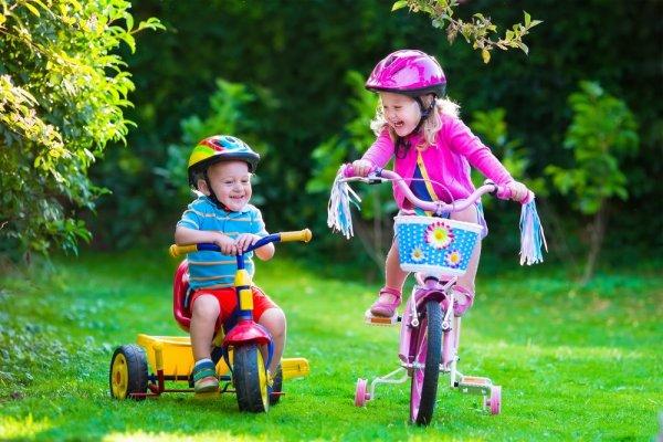 Tidak-Hanya-Bermain,-Inilah-7-Manfaat-Lain-yang-Didapatkan-Saat-Si-Kecil-Belajar-Bersepeda