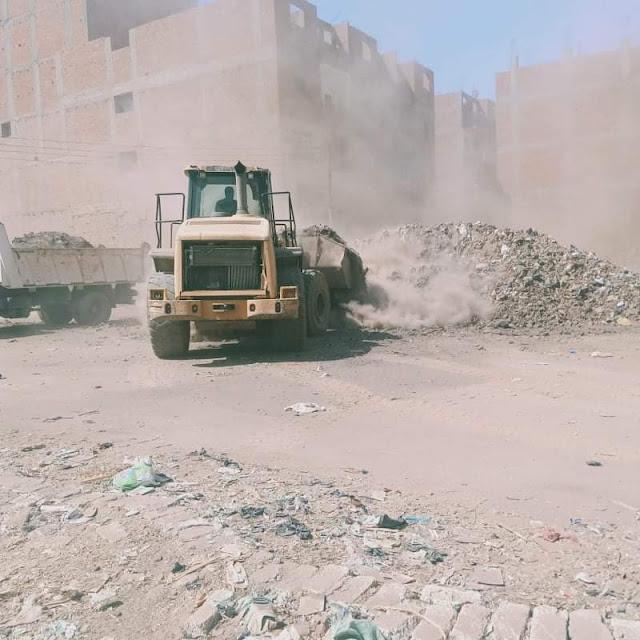 استجابة للخبر المصري محافظ سوهاج يوجه برفع القمامة بنجع هريدى بالمنشاه وتخفيف العبء عن المواطنين