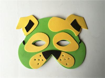 foami de  máscara de perro