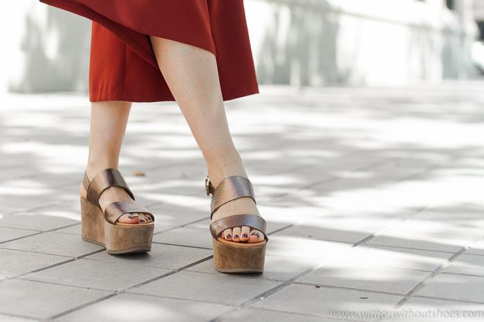 Sandalias plataforma color dorado cobre modelo Yacaré de ALPE