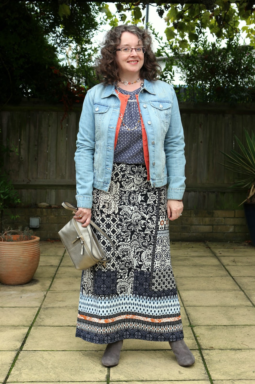 How to style your maxi skirt for Autumn, Denim Jacket & Pattern Mixing | Petite Silver Vixen