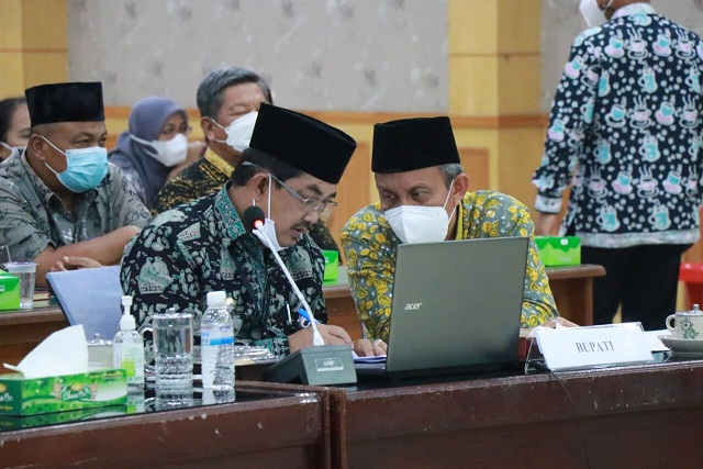 Bupati Hadiri Evaluasi SAKIP dan RB Kabupaten Tanjab Barat